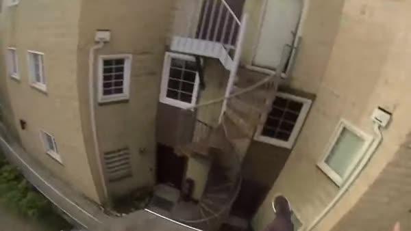 Amazing roof jump. .. damn...
