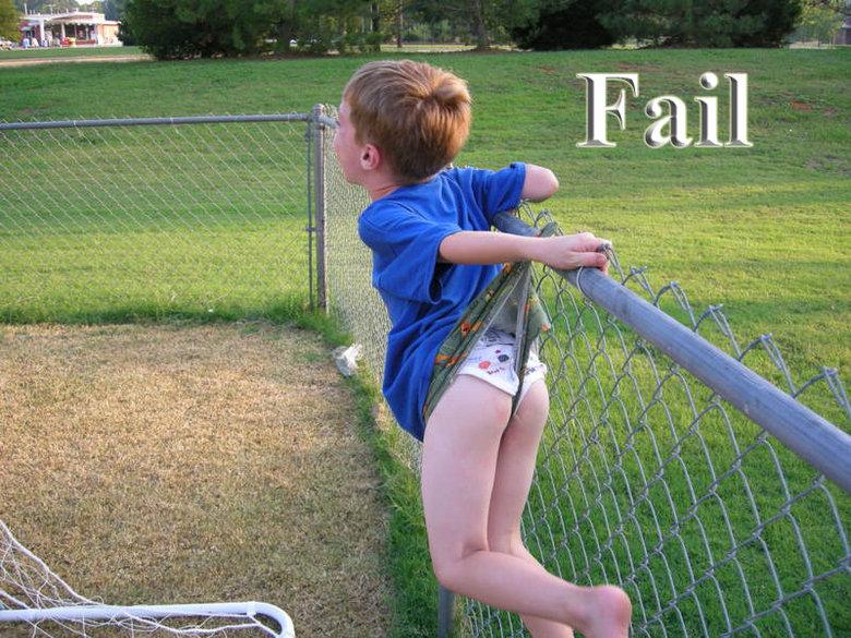 Fence Fail. Fence Fail. Thumbs up? =).. Fence win, Child Fail fail Kid funny hilarious fence lol rofl