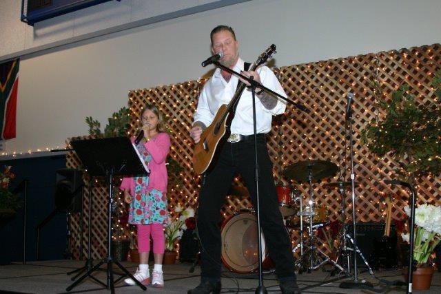 Just James Hetfield and his daughter.. Metallica frontman performing with his daughter.. metallica rules