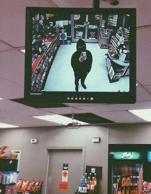 Robbery Selfie. . Robbery Selfie