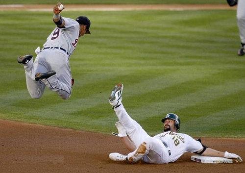 Baseball Momemt. .. oops...number nine peed himself.that's kinda funny! Baseball funny moment