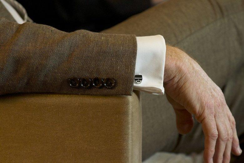 Bryan Cranston's Cuff links. Hidsenberg. bryan Cranston cuff links breaking bad
