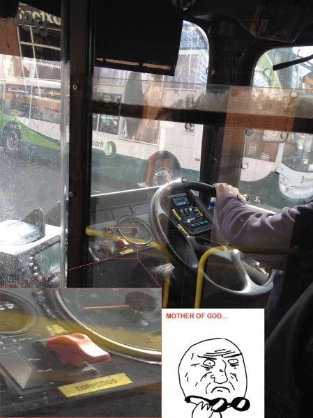 Bus wars. that some surious . asdasdasasd