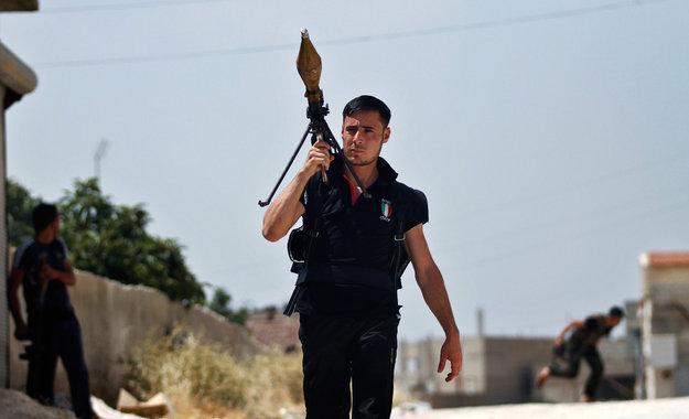 Ridiculously Photogenic Syrian Rebel. .. Gasmask guy forever... Ridiculously Photogenic Syrian Rebel Gasmask guy forever